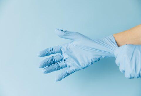 Efektifkah Menggunakan Sarung Tangan untuk Mencegah Virus Corona COVID-19